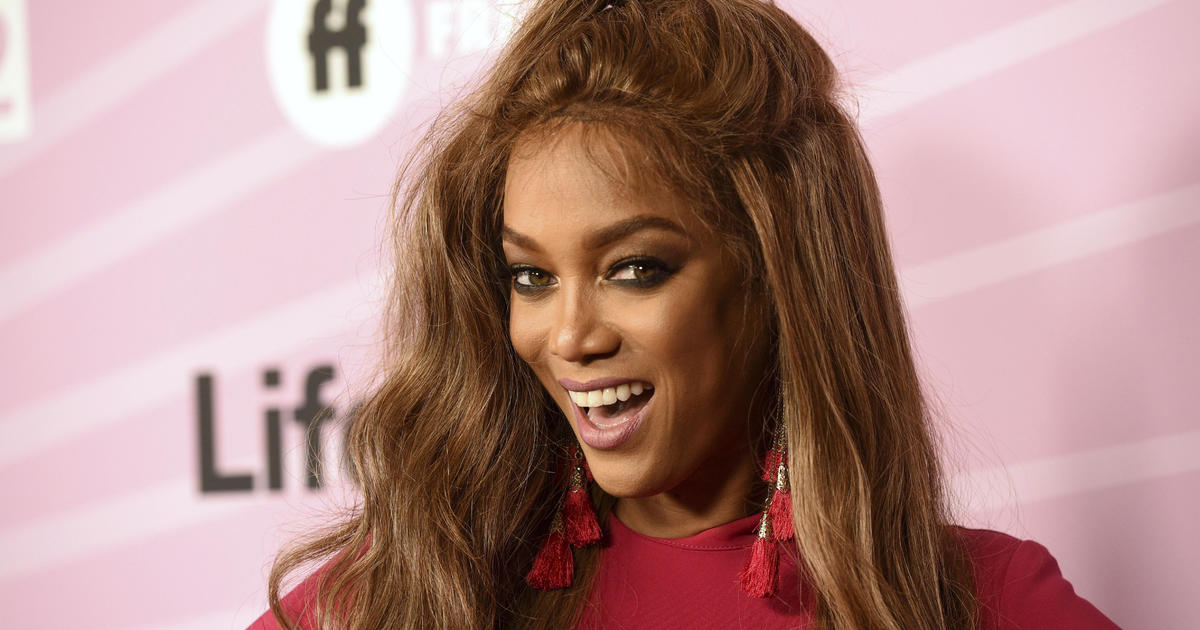 Tyra Banks makes her return to modeling with third Sports Illustrated Swimsuit cover