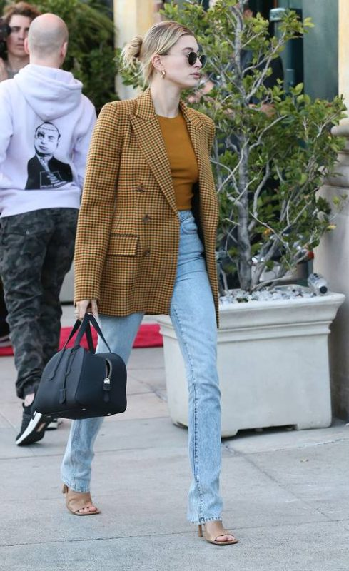 Thanks to Celebs This Is How We'll Wear a Blazer With Jeans in Spring 2020