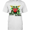 Aby Yoda hug Ingles please stay 6 feet Have a nice day  T-Shirt Classic Men's T-shirt