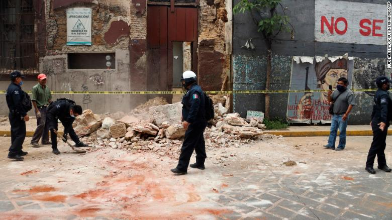7.4 magnitude earthquake hits southern Mexico