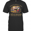 Rabbit That'S What I Do I Read Books And I Know Things Black T-Shirt Classic Men's T-shirt