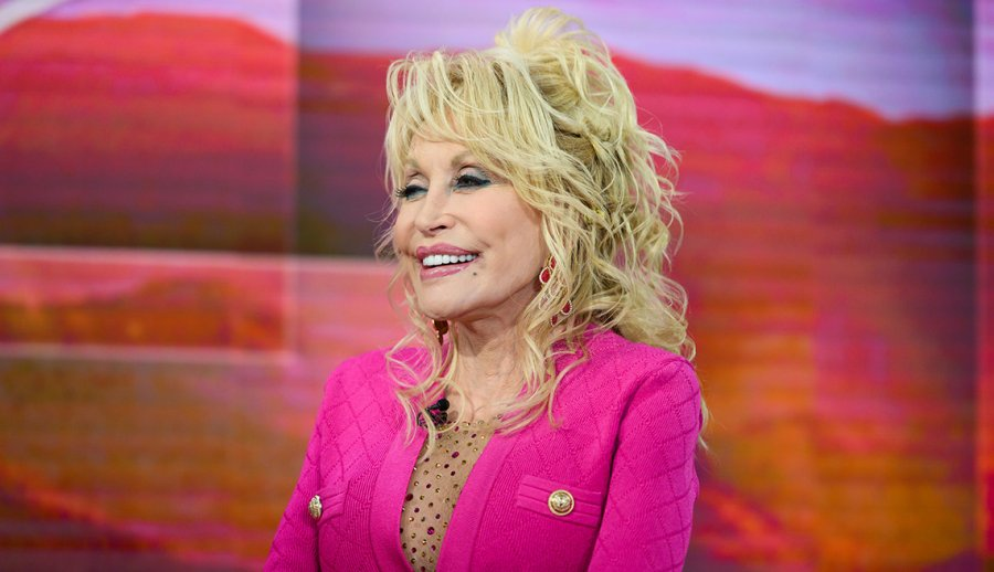 10 Style Lessons We Can Learn From Dolly Parton