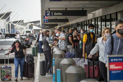 Citing delta variant US reportedly decides not to lift travel restrictions yet