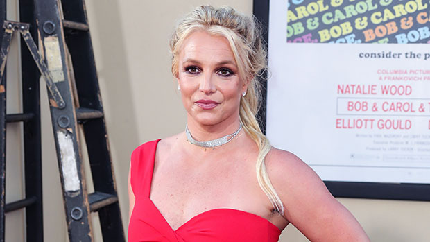 Britney Spears Poses For New PhotoWithout A Shirt On As She Sounds Off On'Body Image'